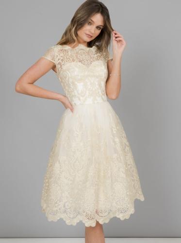 a725edaae4 Chi Chi London Frances sukienka wieczorowa midi rozkloszowana haftowana