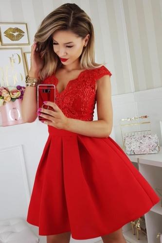 186846f3c0a71e ... Bicotone sukienka wieczorowa mini Aleksandra. Bico sukienka wieczorowa  mini koronkowa czerwona kokarda