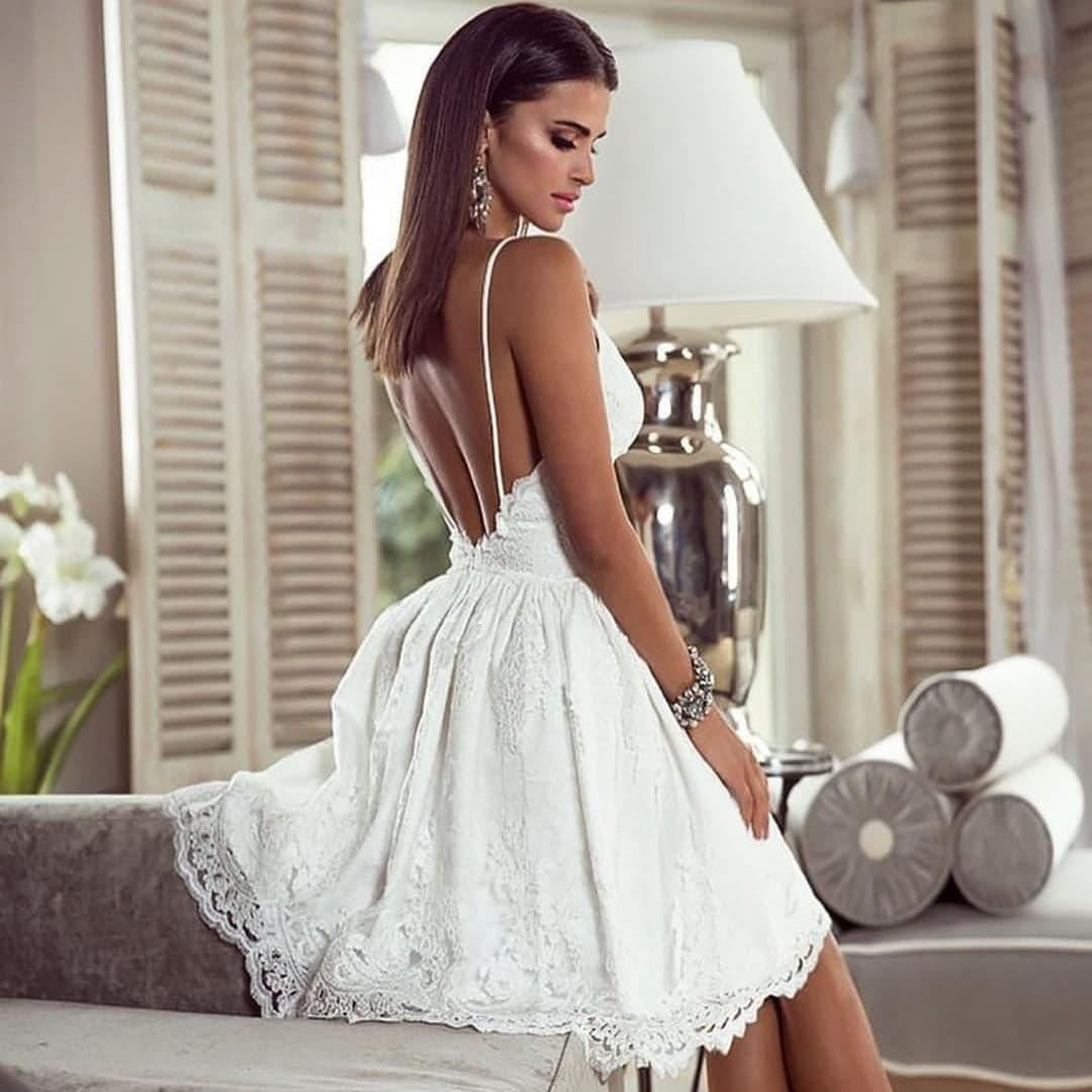 EMO sukienka wieczorowa mini koronkowa VICTORIA